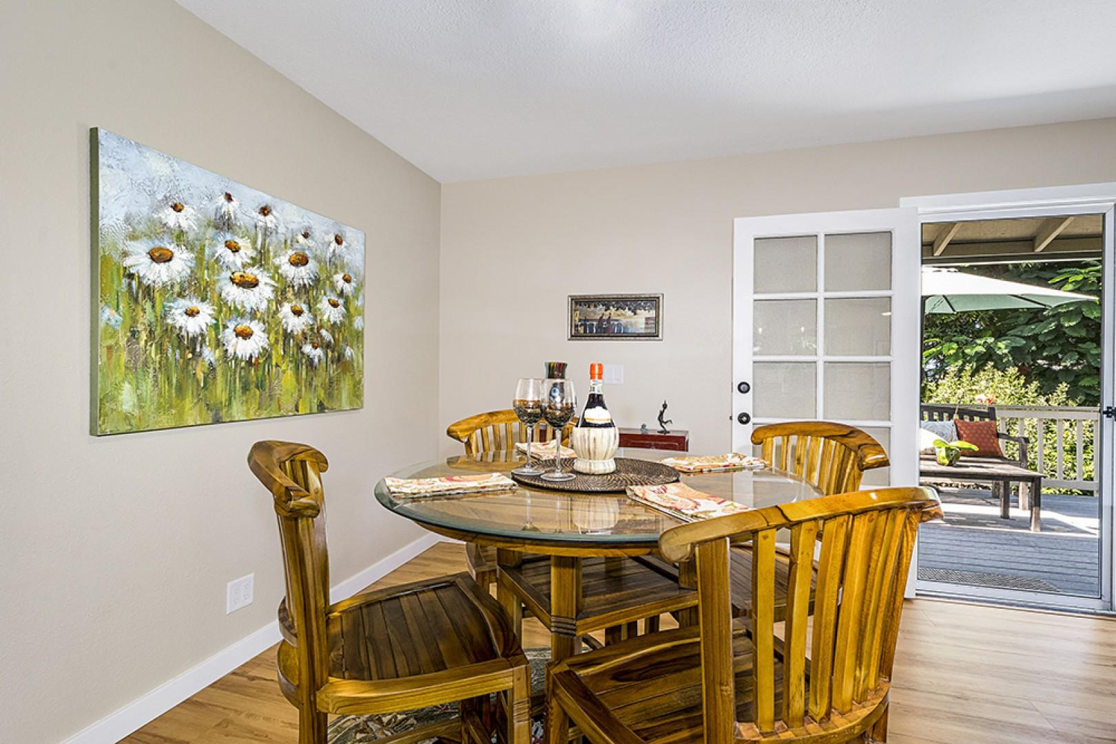 Indoor dining for 4 people