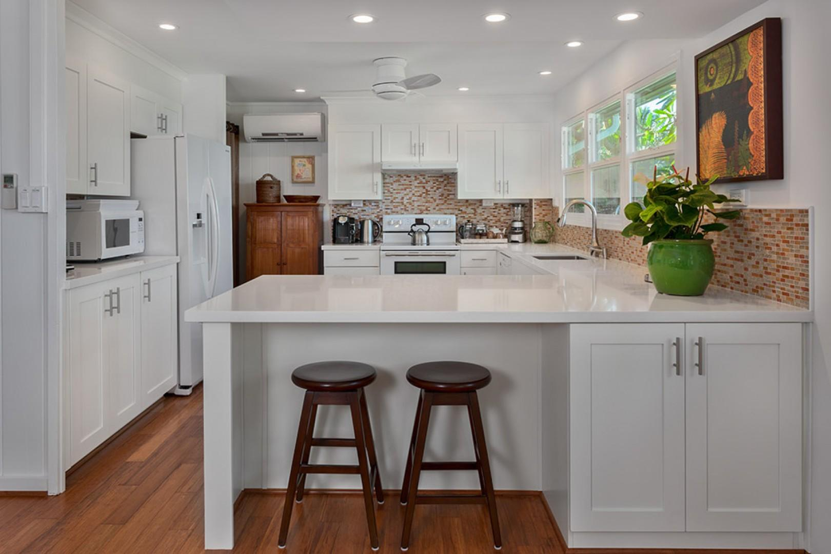 Wailea Sunset Bungalow - Fully Equipped Ocean View Kitchen with Breakfast Bar. Kitchen Windows Now Have Woven Wood Blinds.