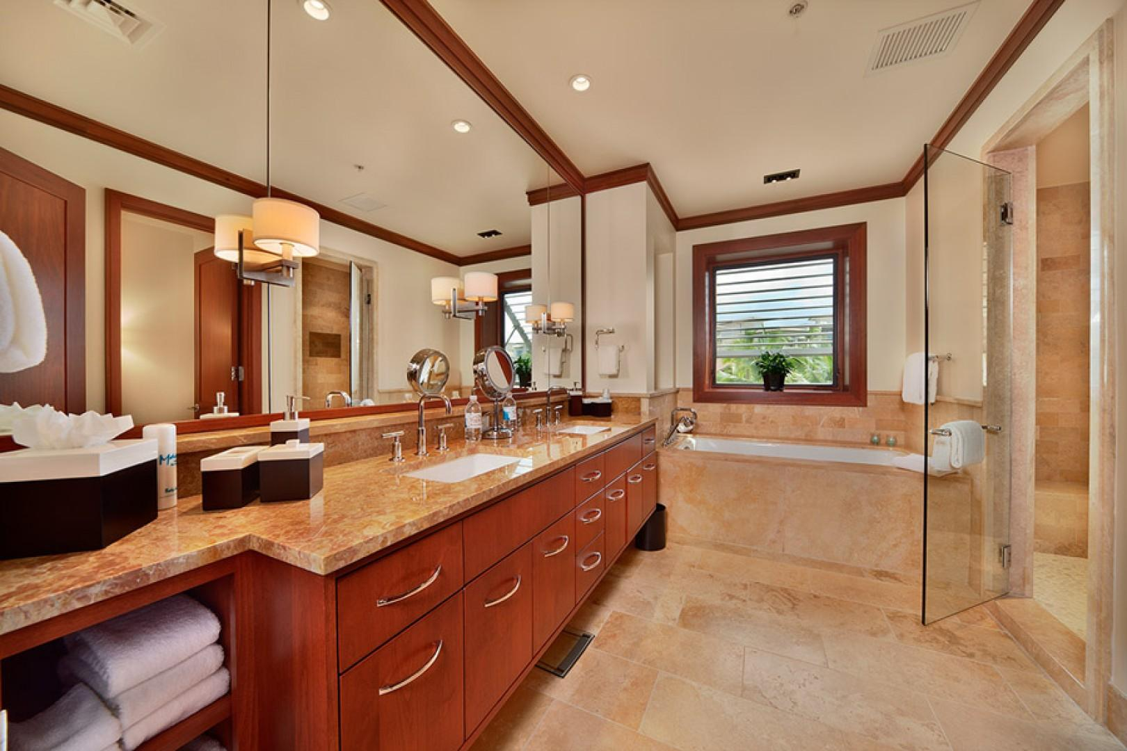 Sea Mist Villa 2403 - Second Master Bath with Deep Tub, Robes, Private WC, Walk-in Shower, Dual Vanities, Scale, Make up mirror, Hair Dryer