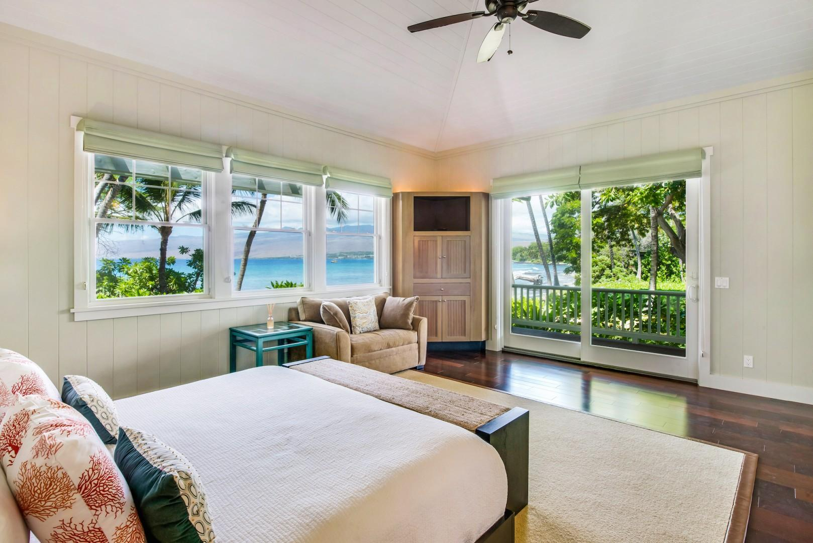 Bright and Spacious Master Bedroom w/ King Size Bed, Split Air-Conditioning, Flat Screen Smart TV, Sonos Sound System, Walk-in Closet & Ensuite Bath.