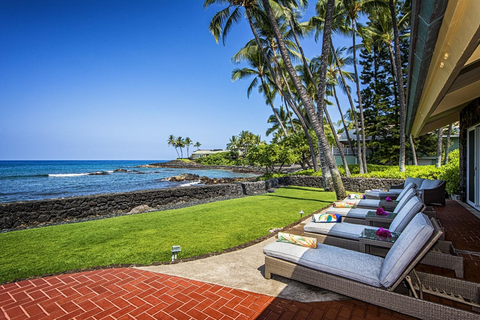 4 outdoor loungers to enjoy the Kona sun