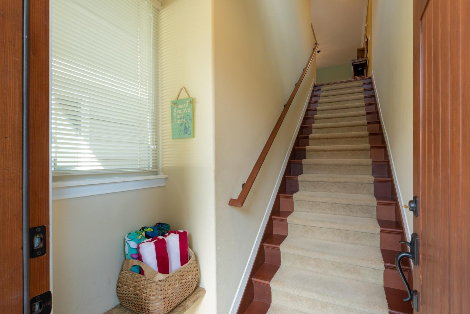 Entryway Stairs Leading Up to Main Living Level