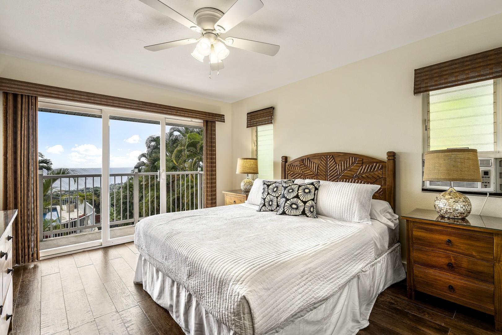 Guest bedroom with King bed, A/C, Lanai Access, and TV