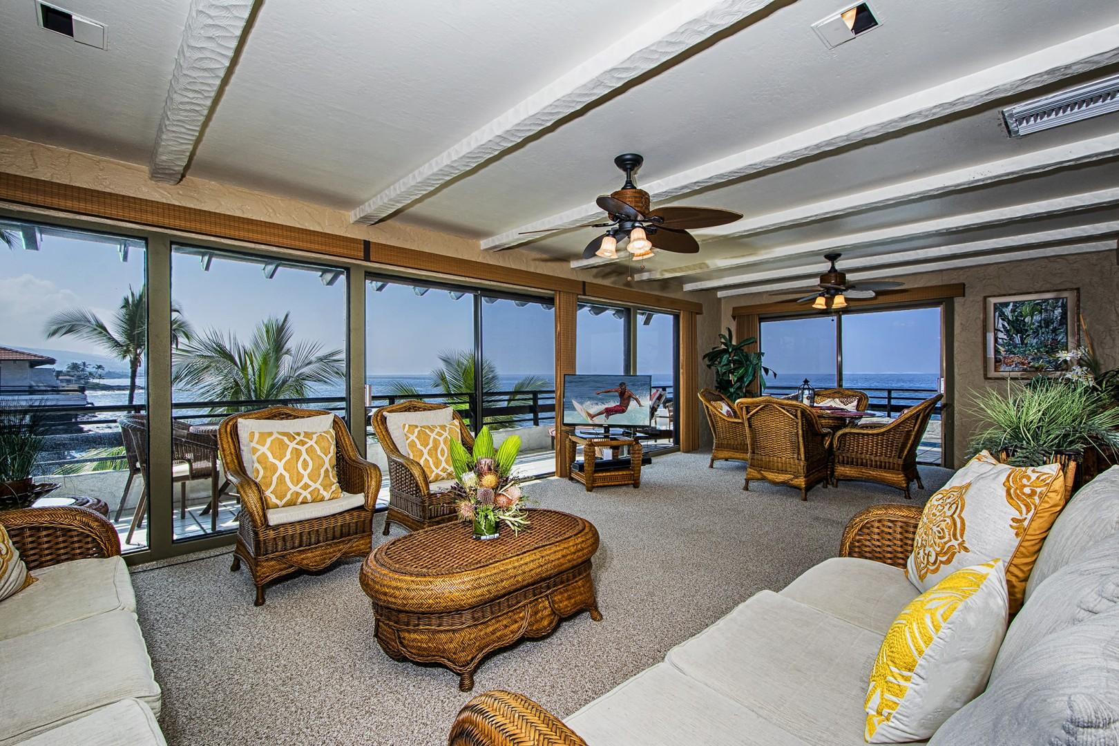 Living room at Oceans edge!