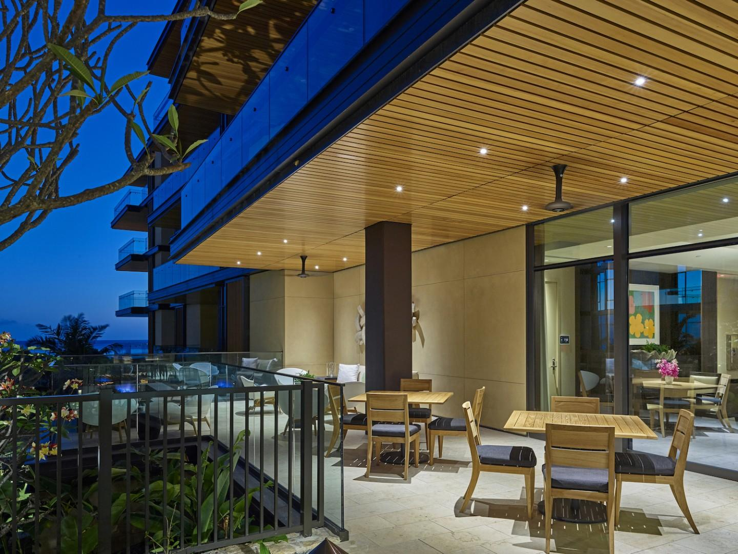 Catering Kitchen, Private Dining, Indoor/Outdoor Lounge & Wet Bar