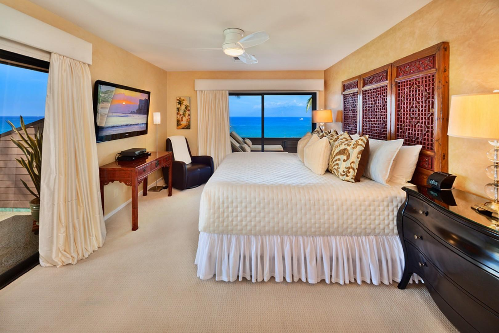 Sunny Surf E301 - Beach and Direct Oceanfront Panoramic View King Master Bedroom with Direct Access to Two Sunny Terraces and En-suite Bathroom