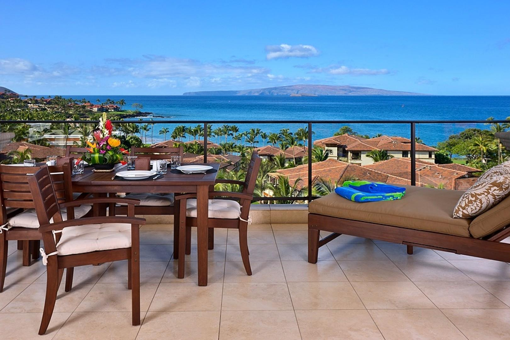 Patio Dining for Six Guests and Lounging for Two on a Double Reclining Chaise at Sandy Surf K508