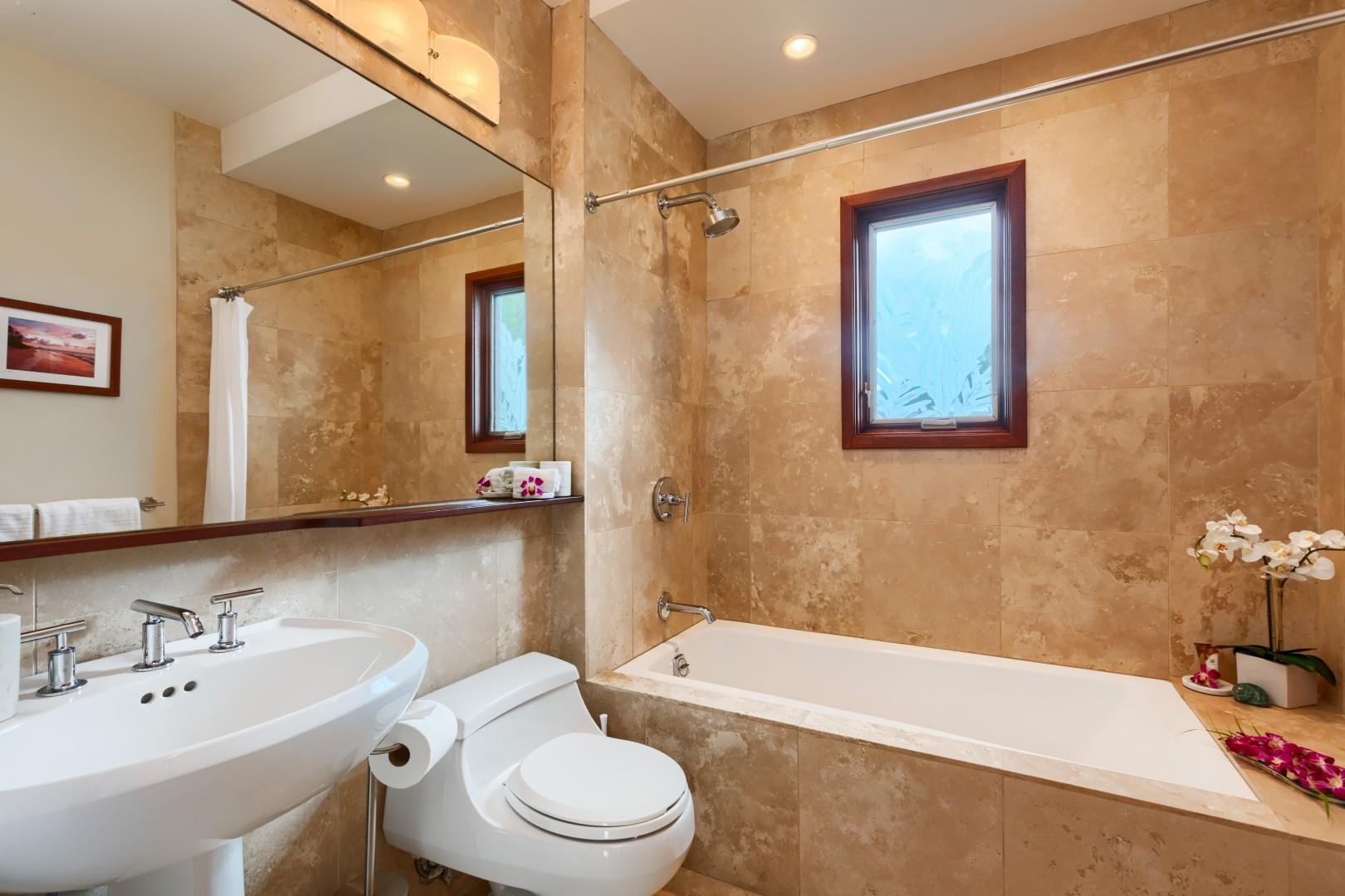 Second floor hallway bathroom for queen bedroom and house use.
