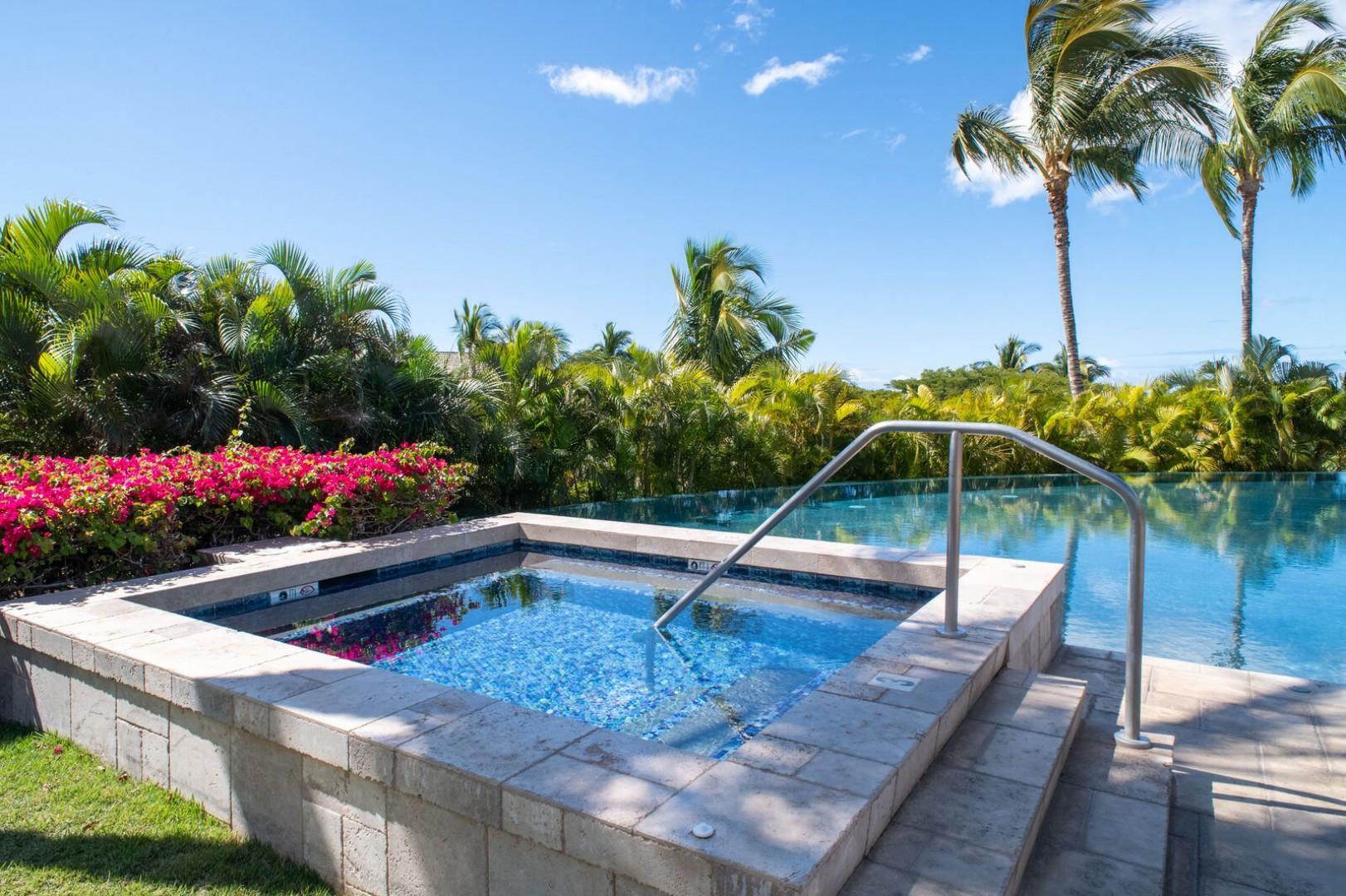 Wai'ula'ua Amenities Center: View of shared pool featuring jacuzzi.