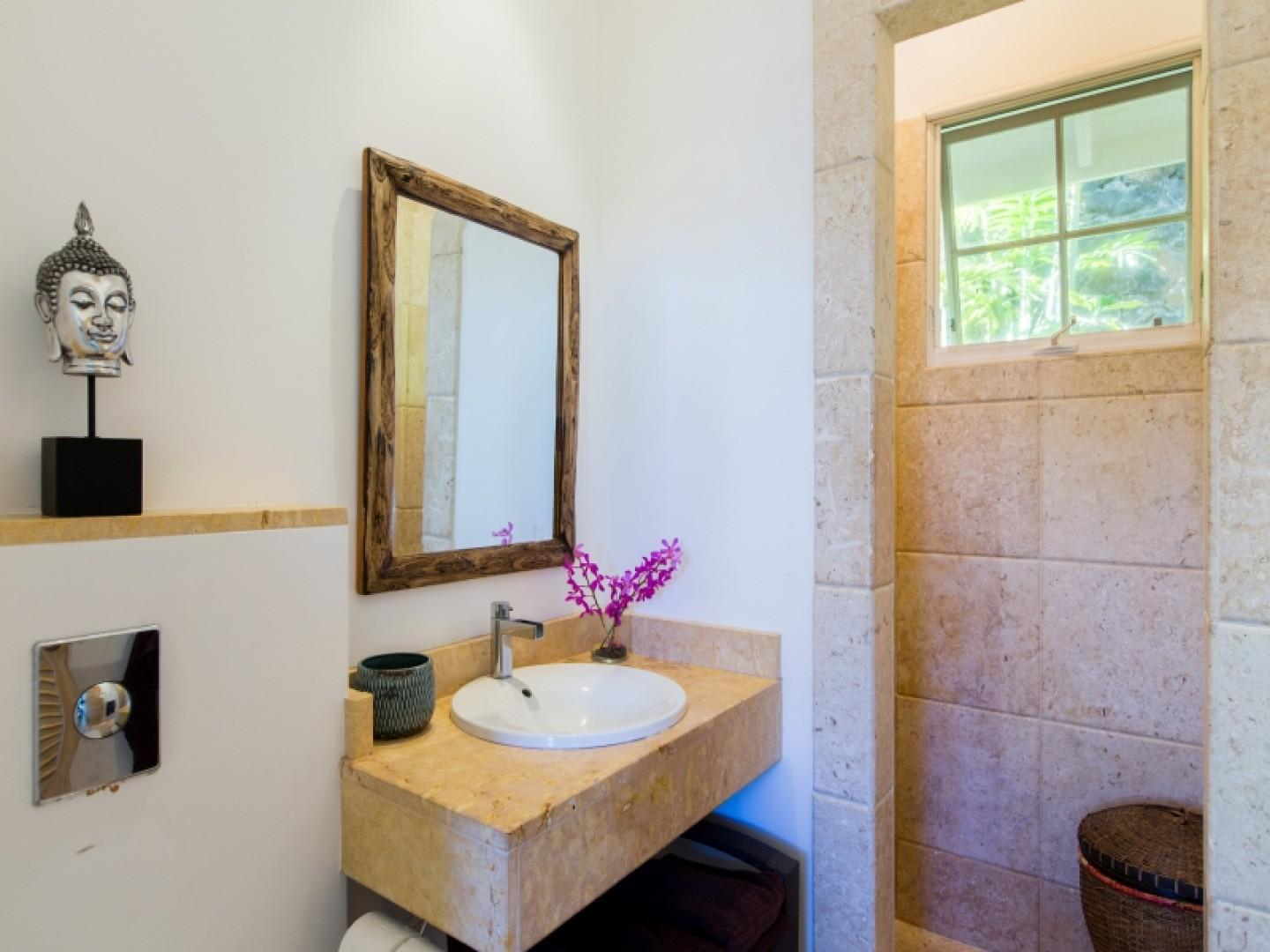 Guest Cottage Bath (rented separately)