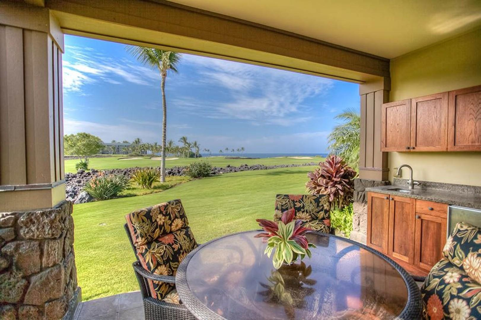 Beautiful ocean, golf and mountain views from the lanai.