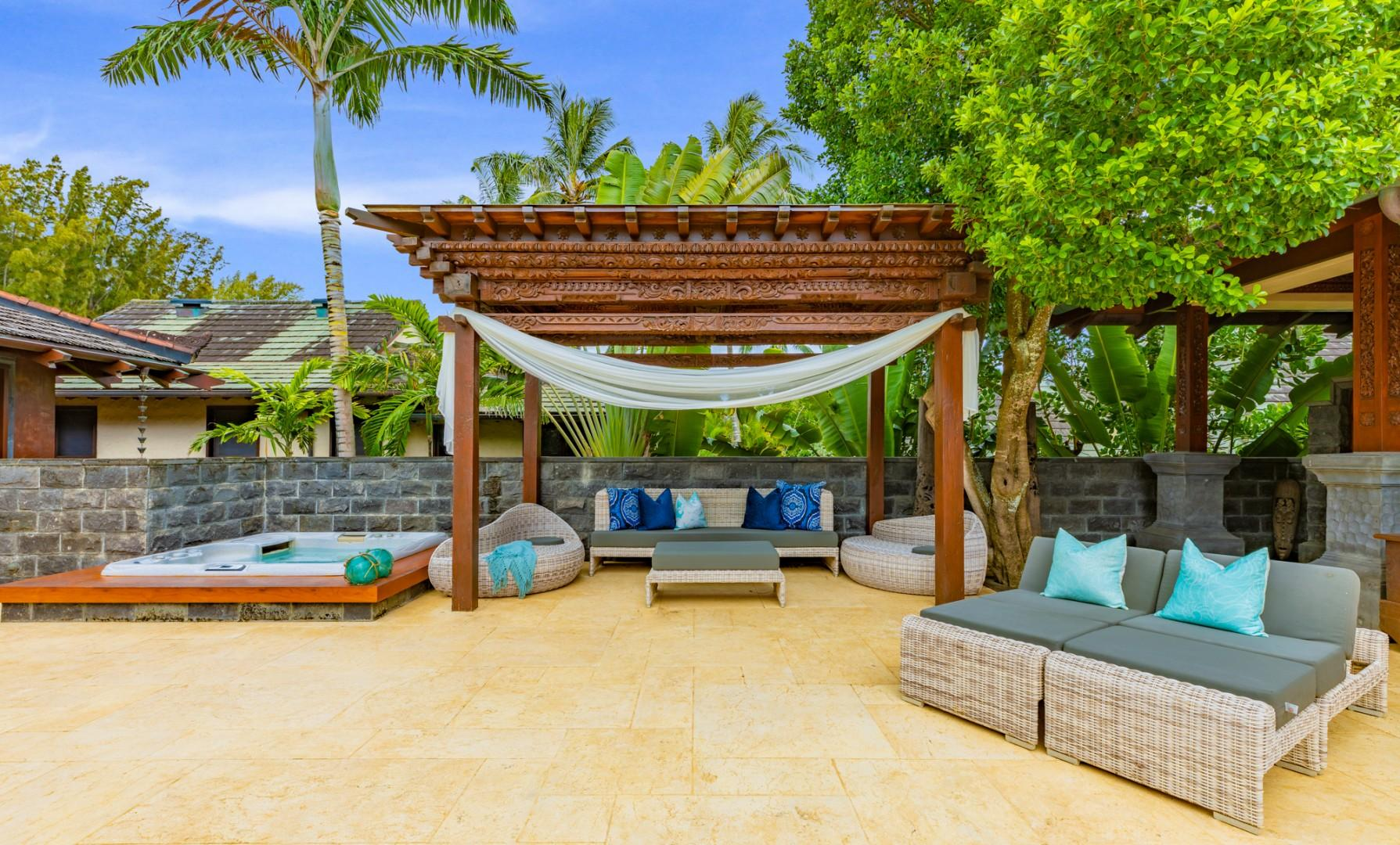 Lounge in style by the pool