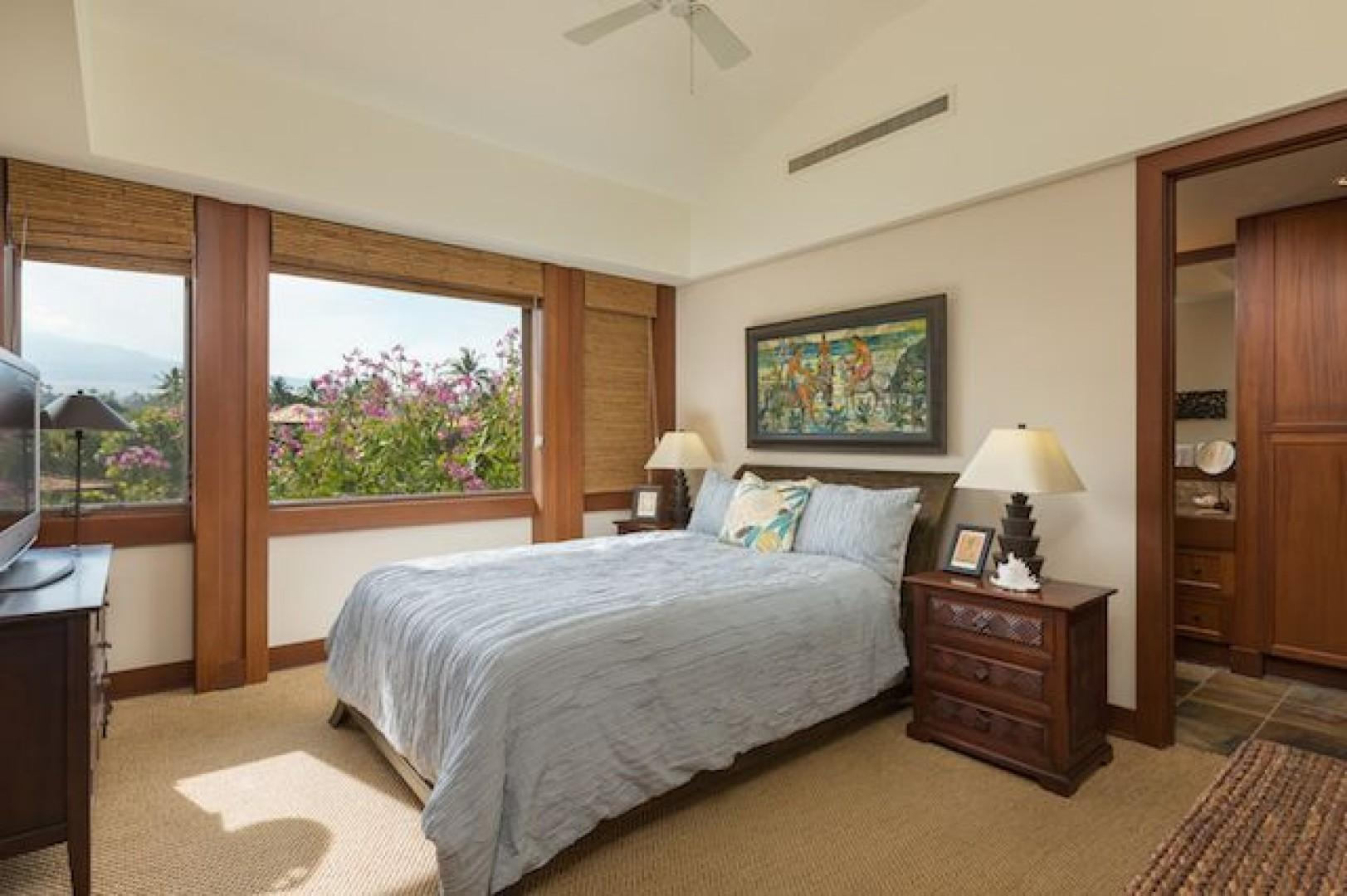 2nd Bedroom with Queen Bed and its own ensuite bath