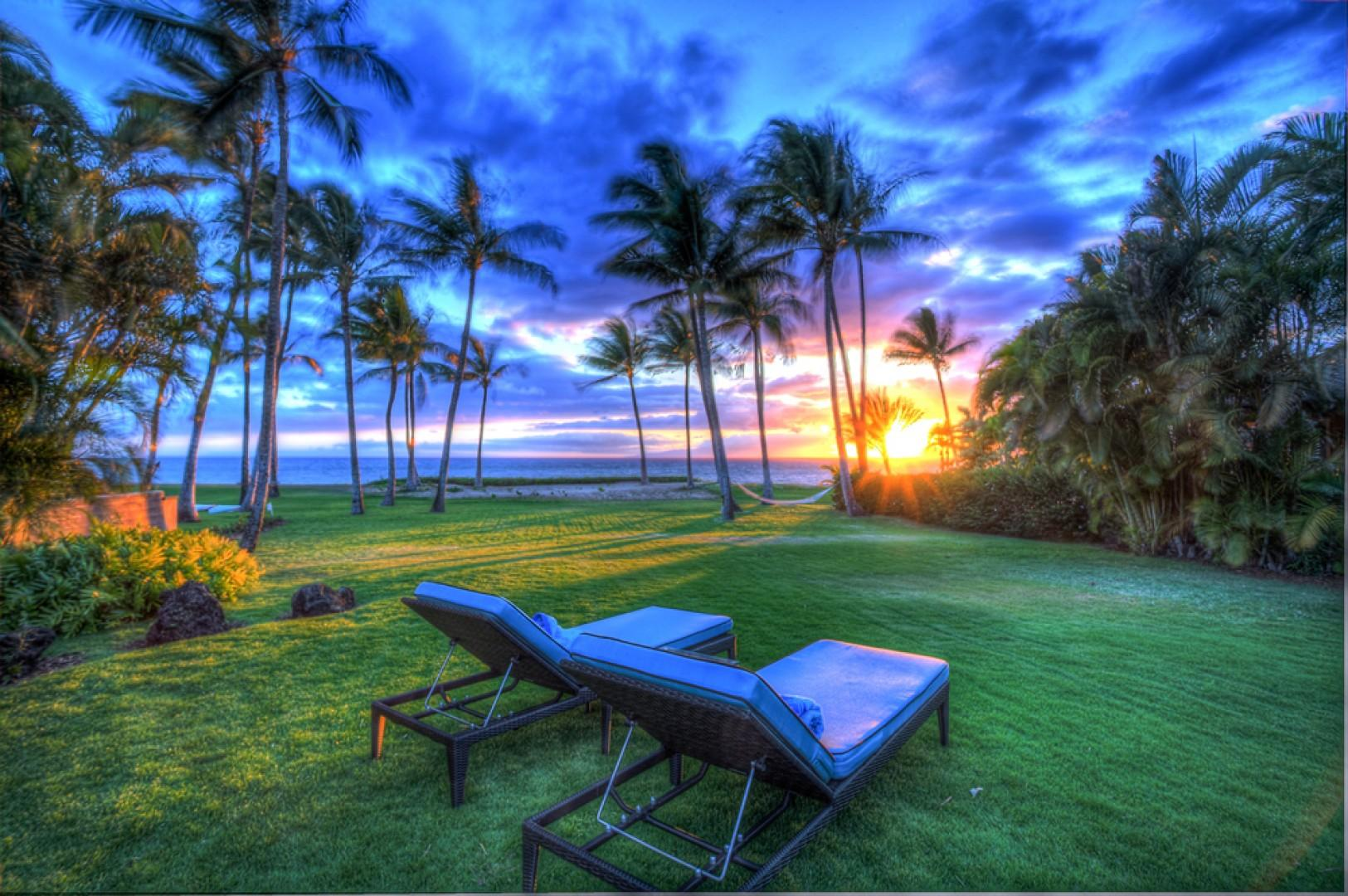 Mango Surf - Expansive Grass Lawn Property with Year-round Sunsets!