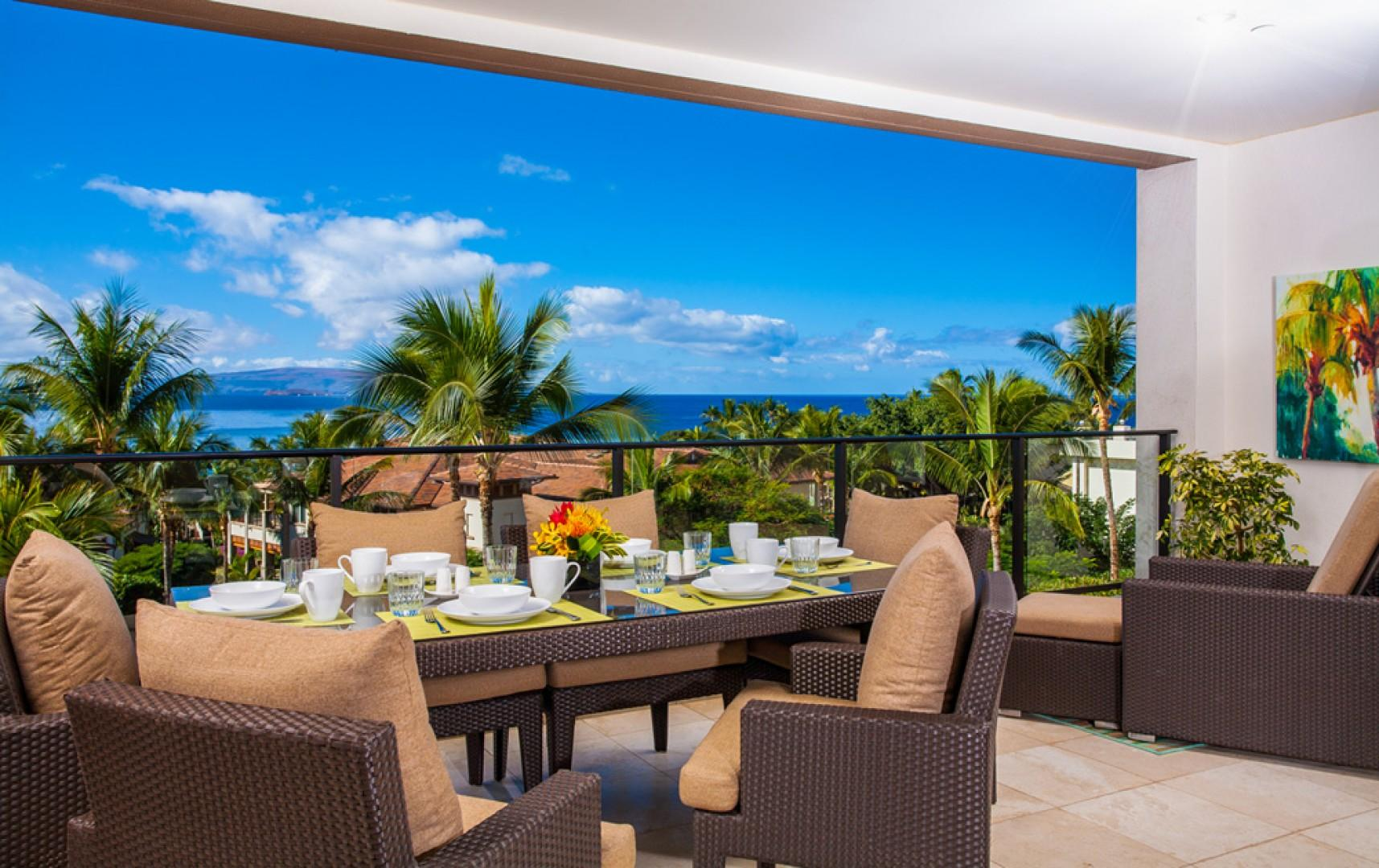 Blue Horizons K308 - Spacious Private Dining Terrace with Viking Gas Grill and Seating for Six to Eight Guests