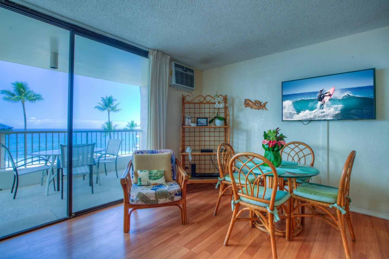Livingroom area, Ocean View Dining Options both Inside and Out.