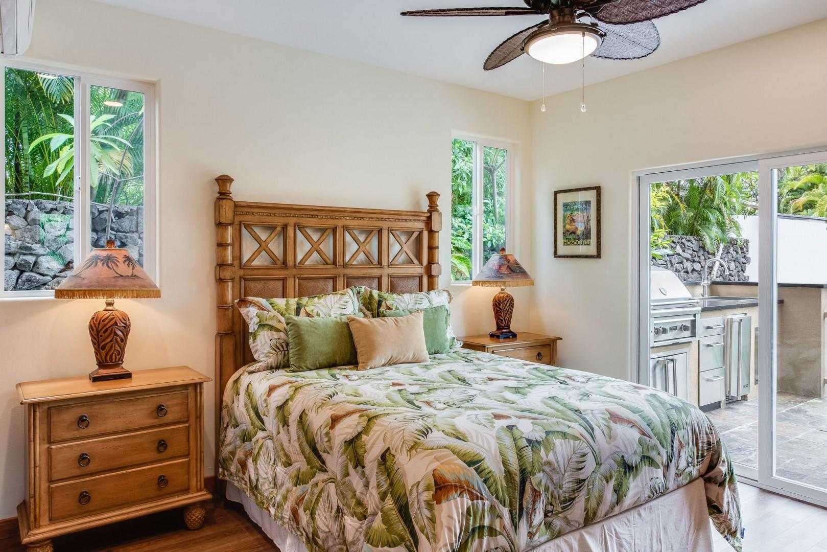 Hale Moku Master bedroom with Lanai Access