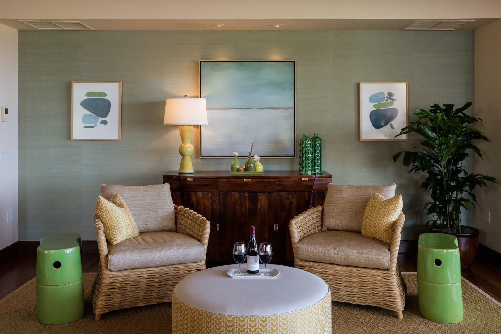 Chic sitting area, ideal for enjoying a book or a glass of wine.