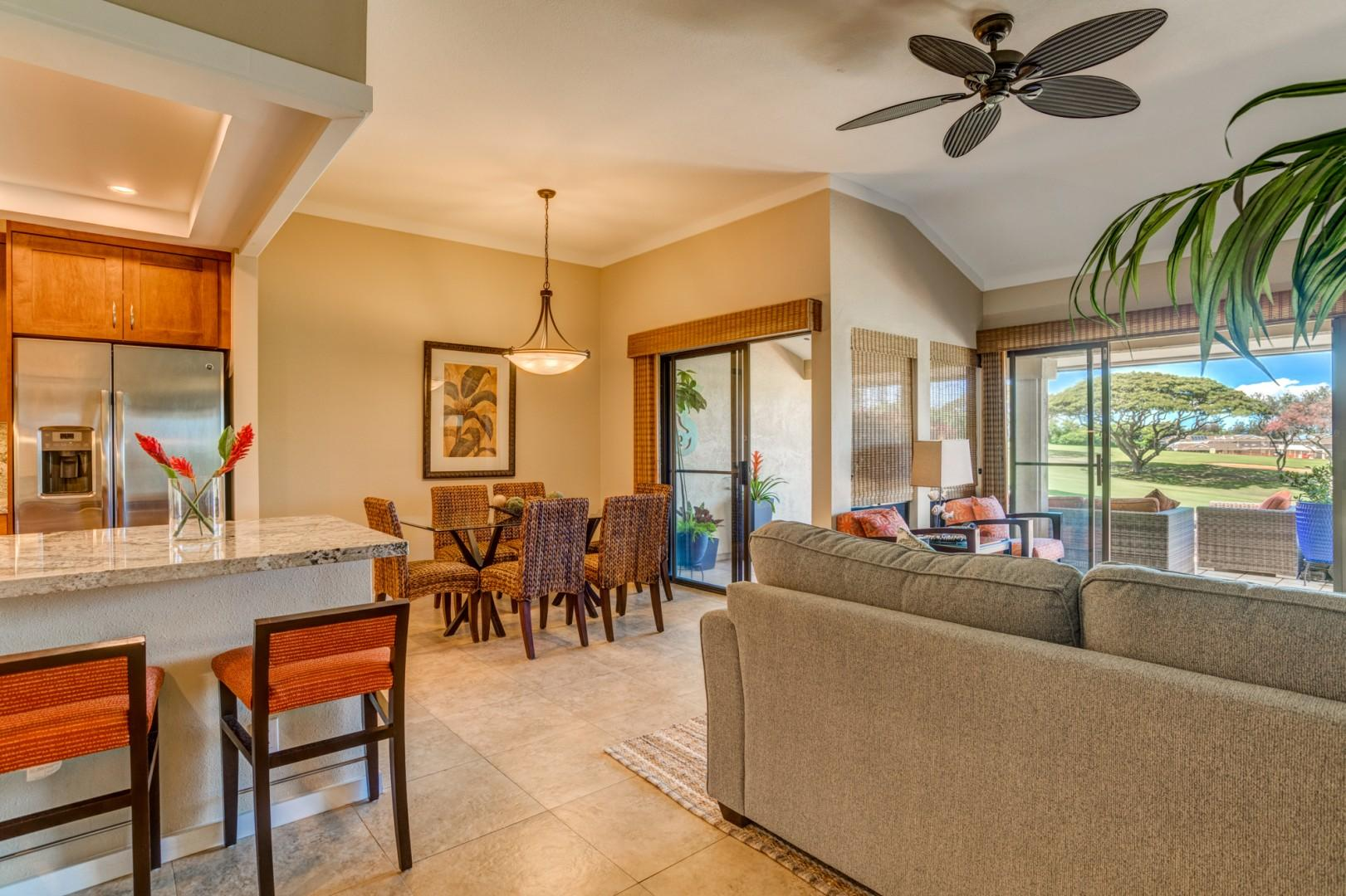 Open floor plan to relax with your ohana