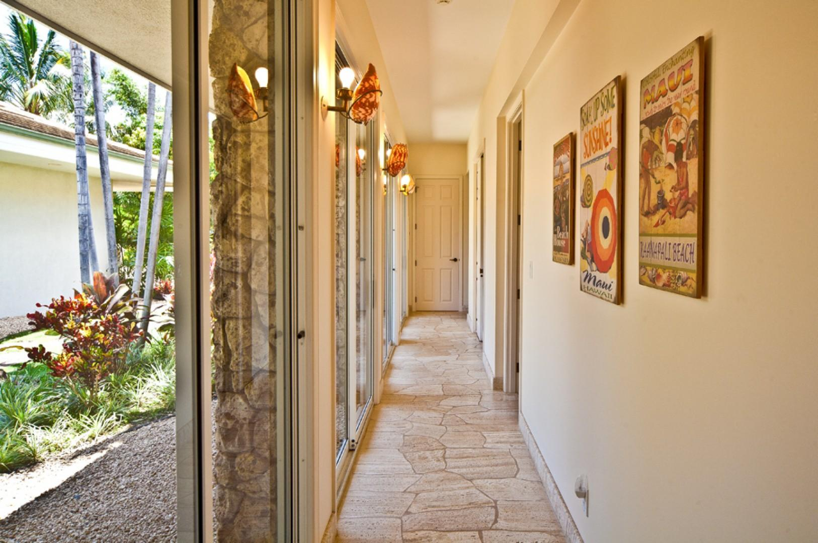 Sea Shells Beach House - Inner Courtyard Hallway Leading To Guest Bedrooms