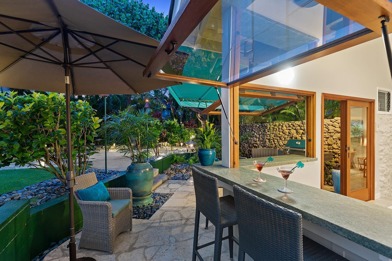Pool House - Open Air Bar