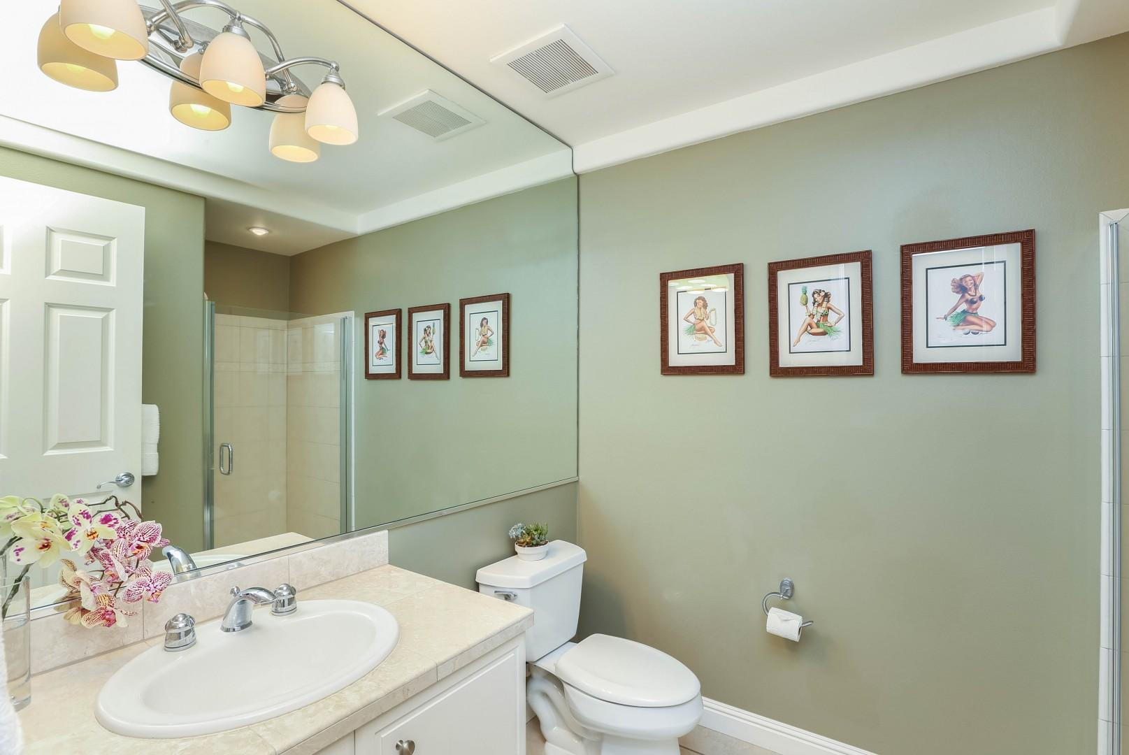Guest Hallway Full Bathroom with Shower