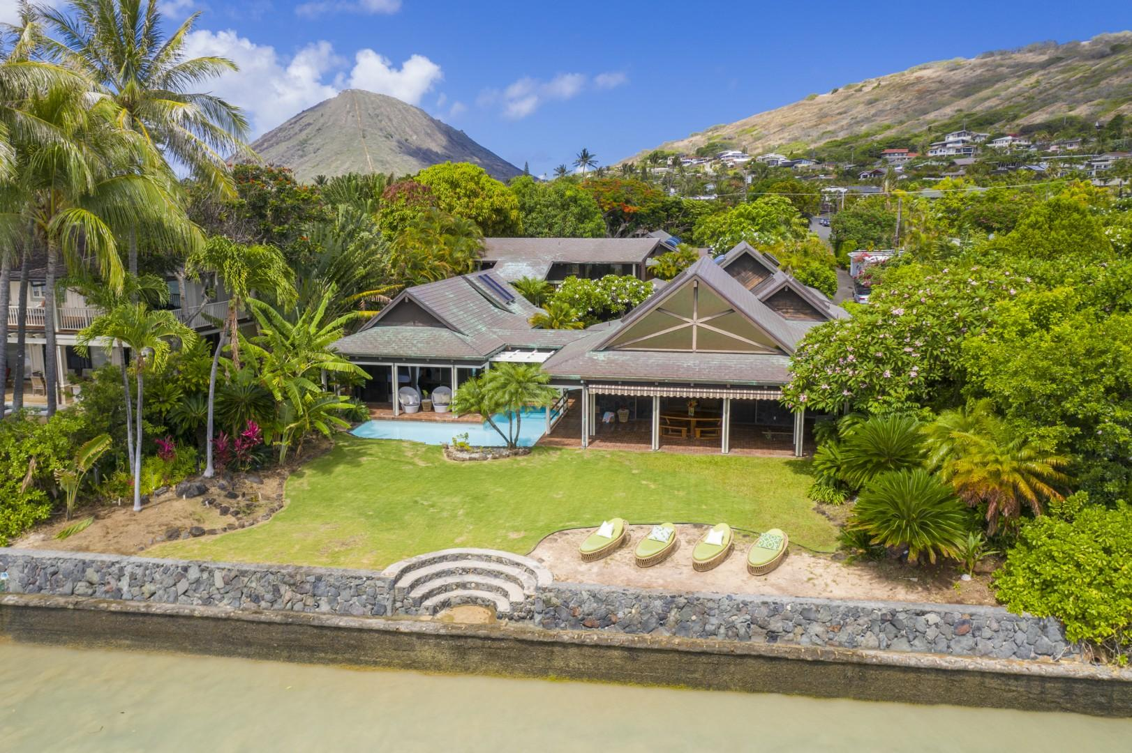 Large Oceanfront Yard with Lounge Area