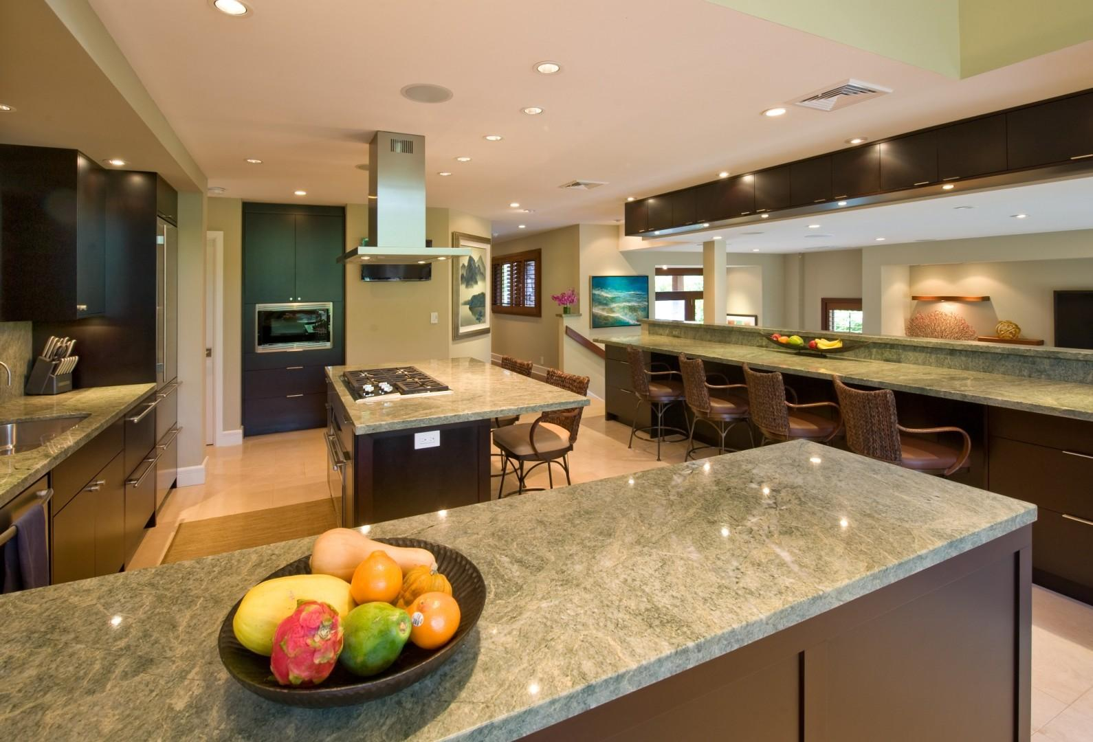 Fully equipped gourmet kitchen.