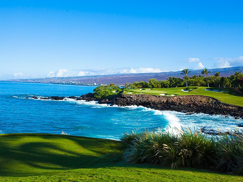 Mauna Kea signature hole.
