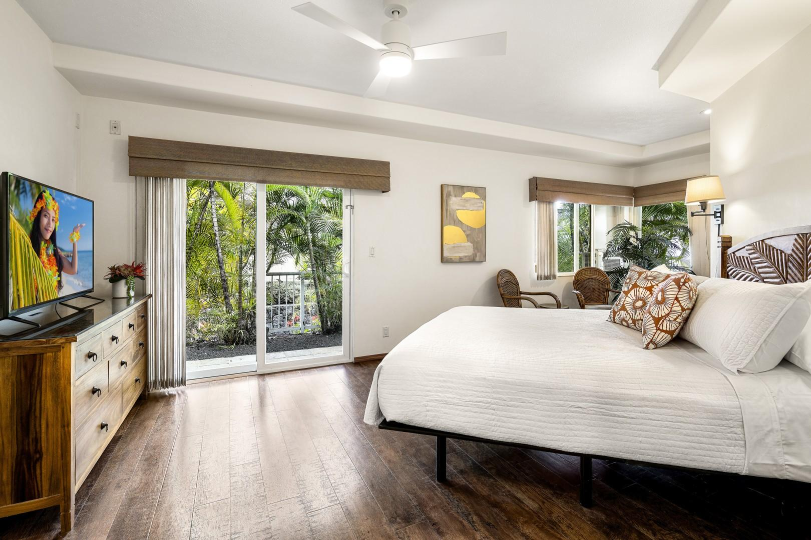 Master bedroom Featuring Cal King bed, TV, A/C and Lanai access