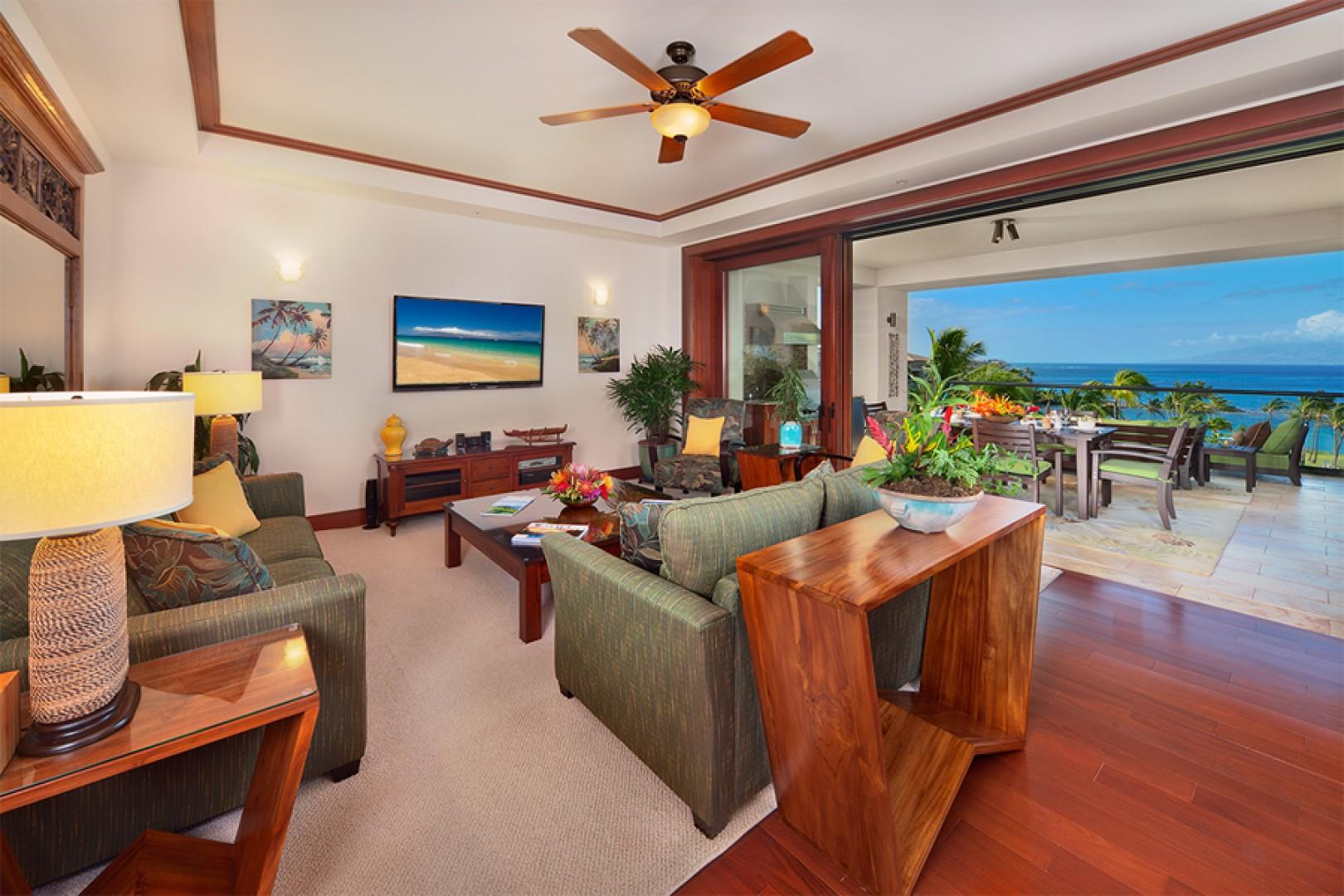 Sea Mist Villa 2403 - Luxury Furnishings and Large Flat Panel HD Television in the Great Room
