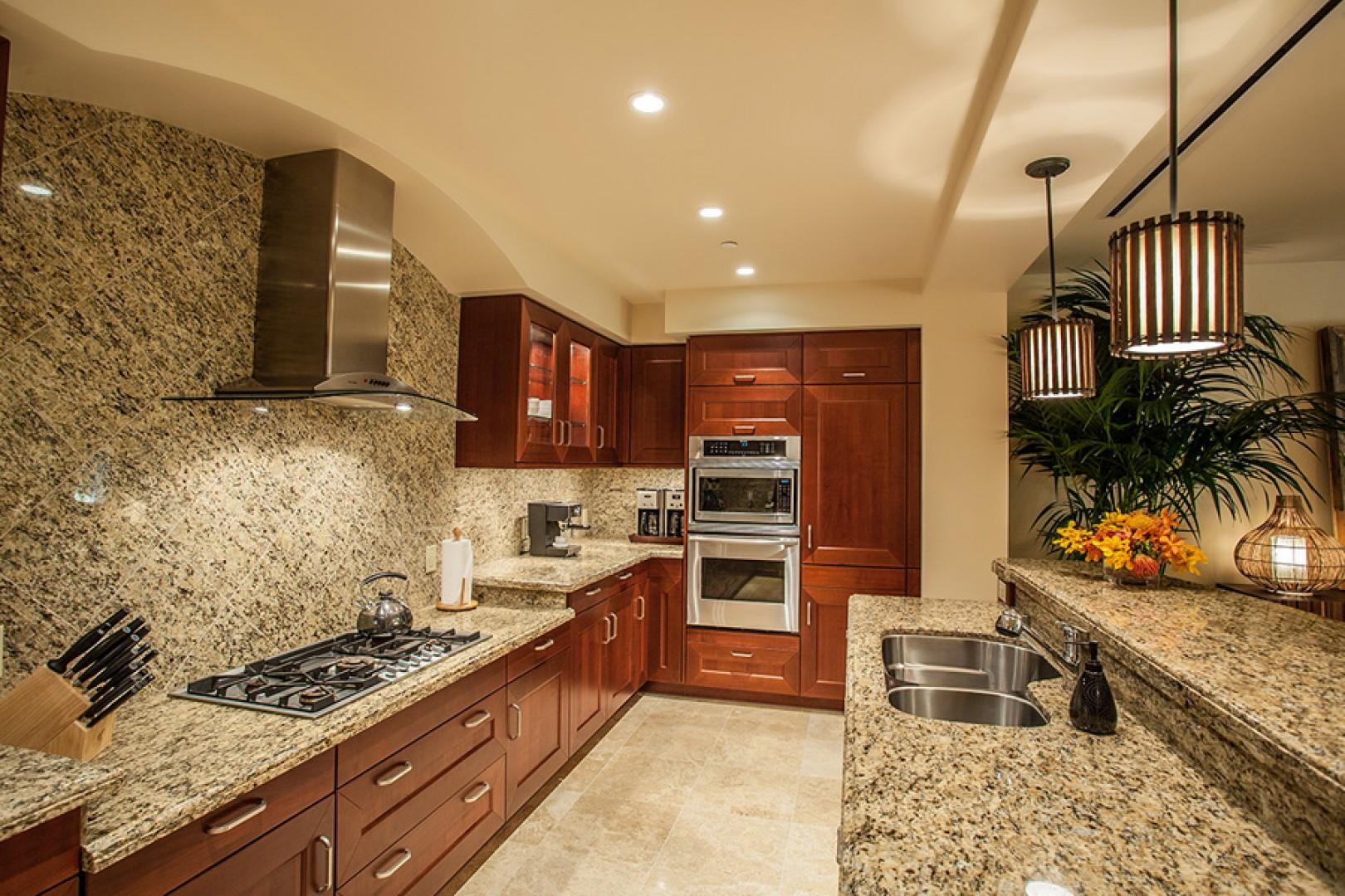Sun Splash C301 Exceptionally Well Equipped and Clean Kitchen with Espresso Maker and Dual Coffee Makers!