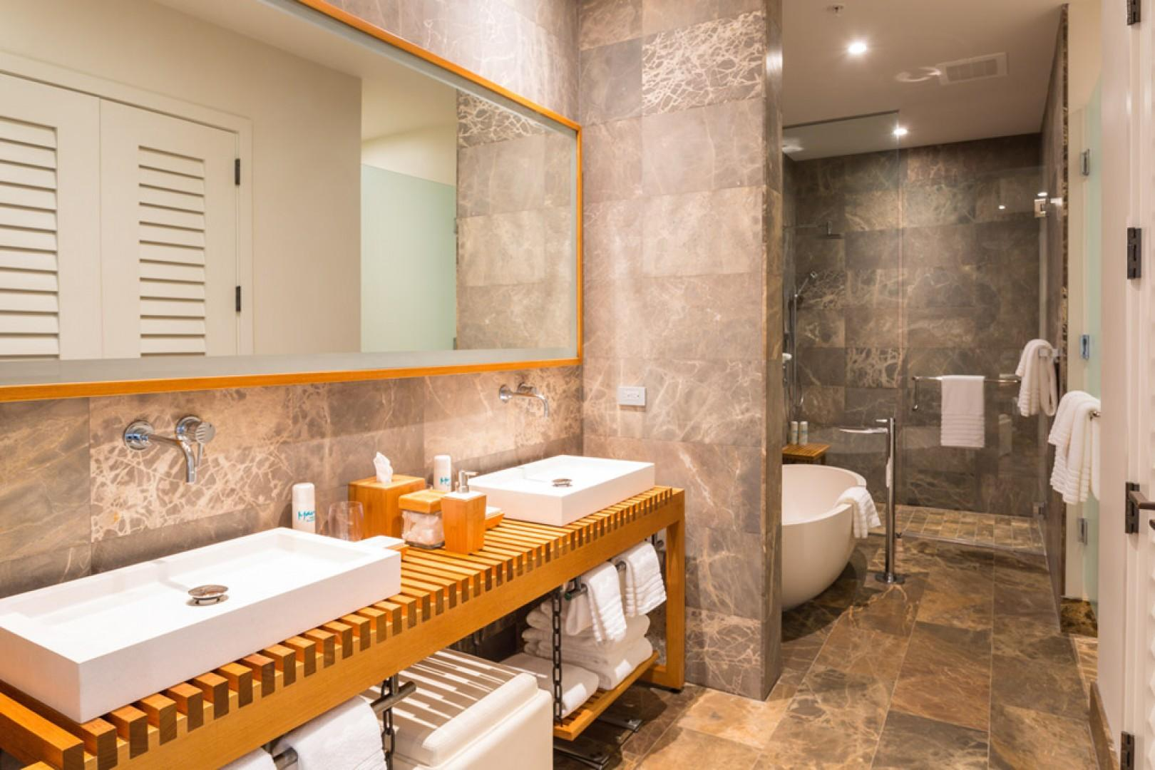 SeaGlass Villa 810 at Andaz Maui Wailea Resort - King Master Bedroom Bathroom with Dual Vanity, Enclosed Shower, Private WC and Free-Standing Deep Soak Tub