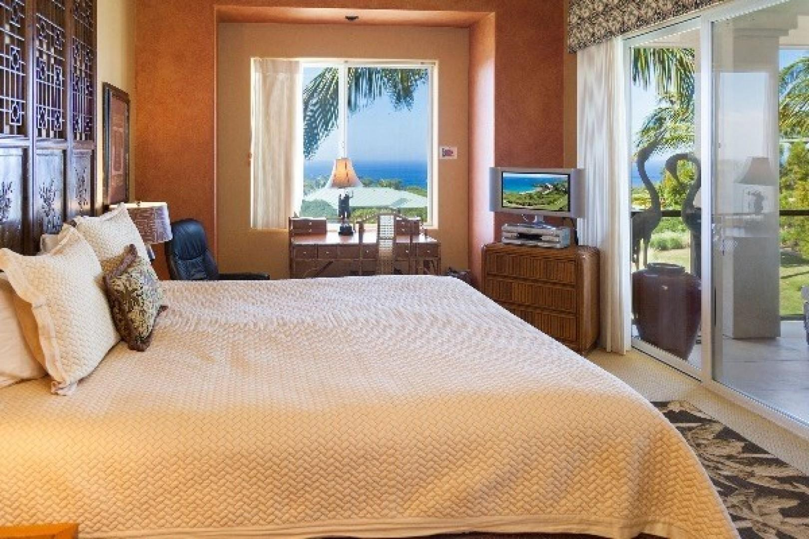 Master Bedroom with Ocean view and access to lanai.