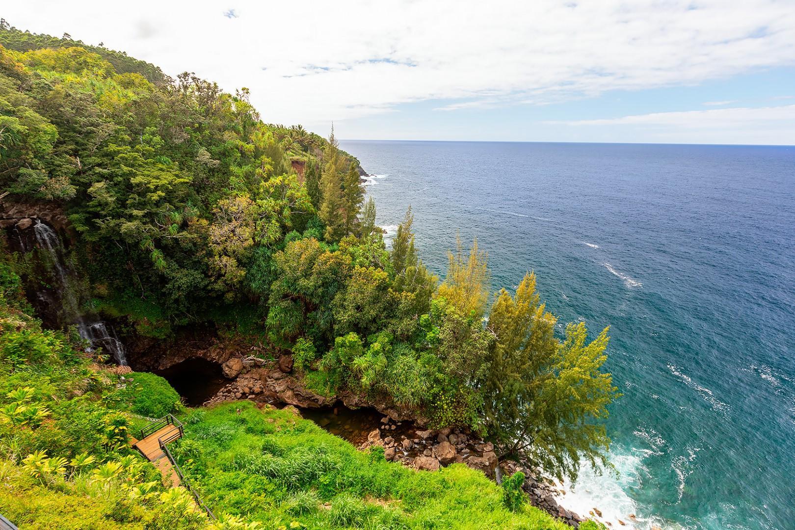 Waterfall/Ocean Views