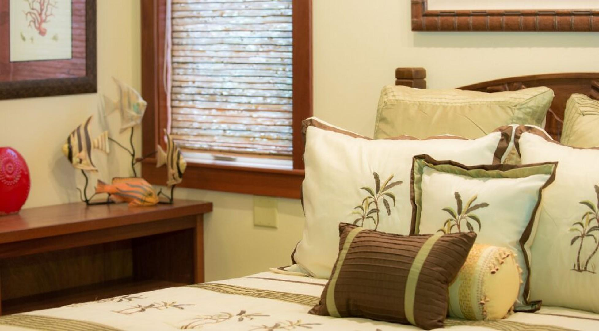 Beautifully decorated and outfitted with queen bed