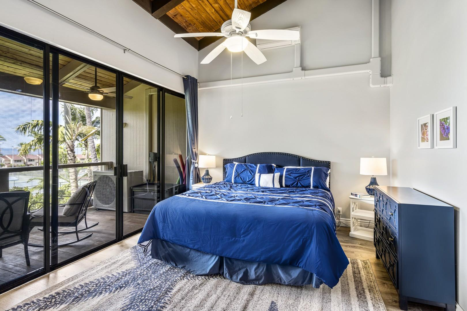 Master bedroom with King bed, A/C, Ocean view, ensuite, and Lanai access!
