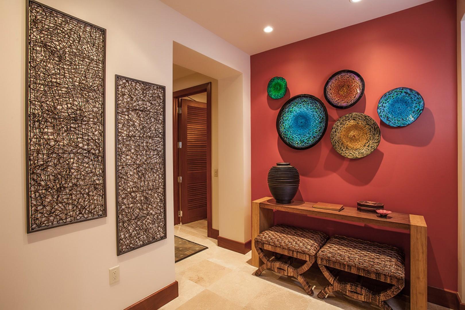 Enter The Resplendent C301 Sun Splash Villa with Exquisite Art and Decor!