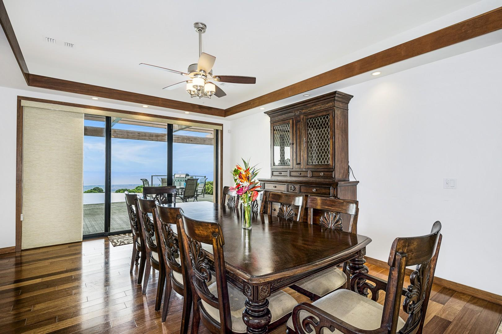 Dinning room steps from the kitchen!