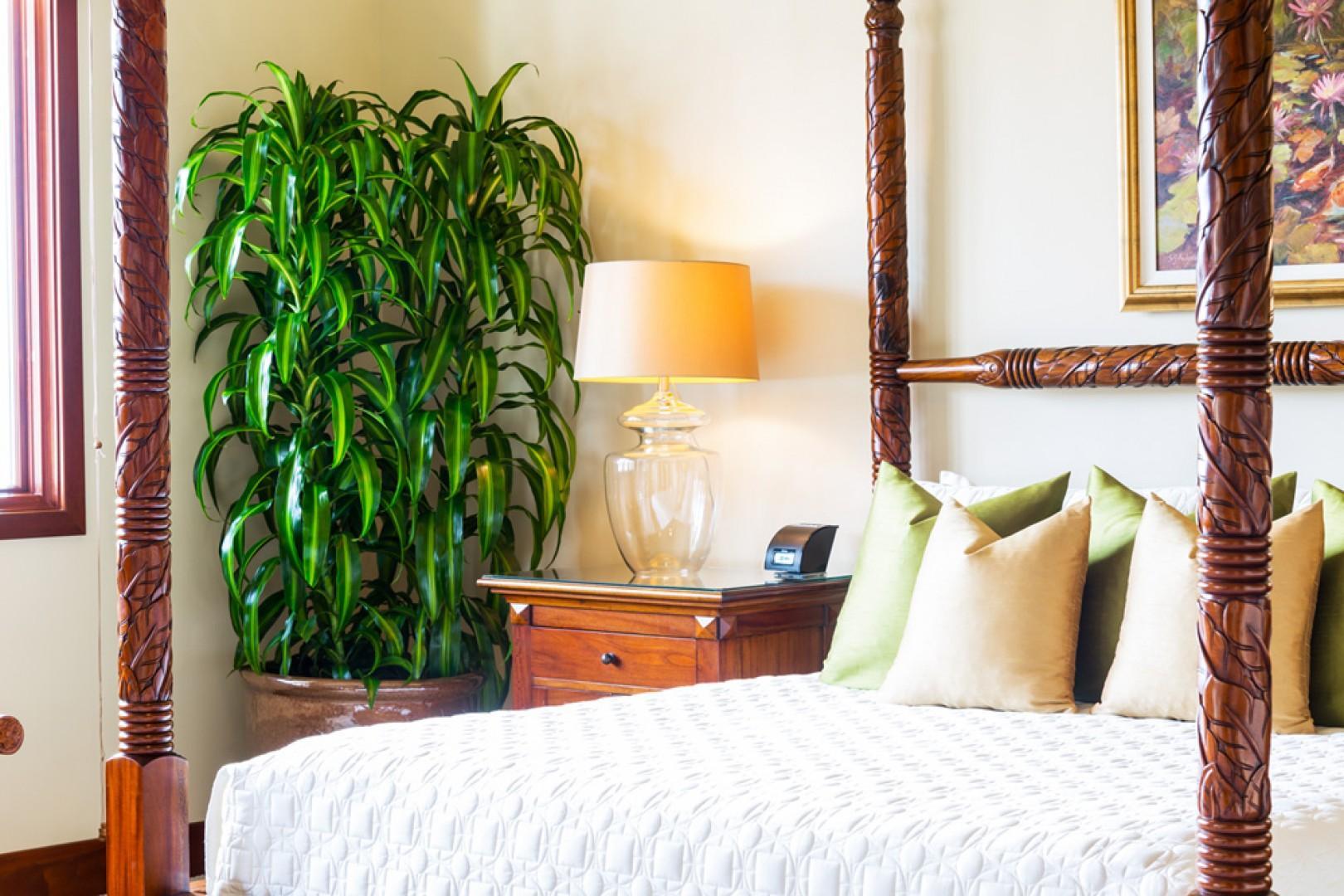 L509 Sandcastles Suite Ocean View King Master Bedroom with Private En-Suite Bath Opens to the Alfresco Veranda