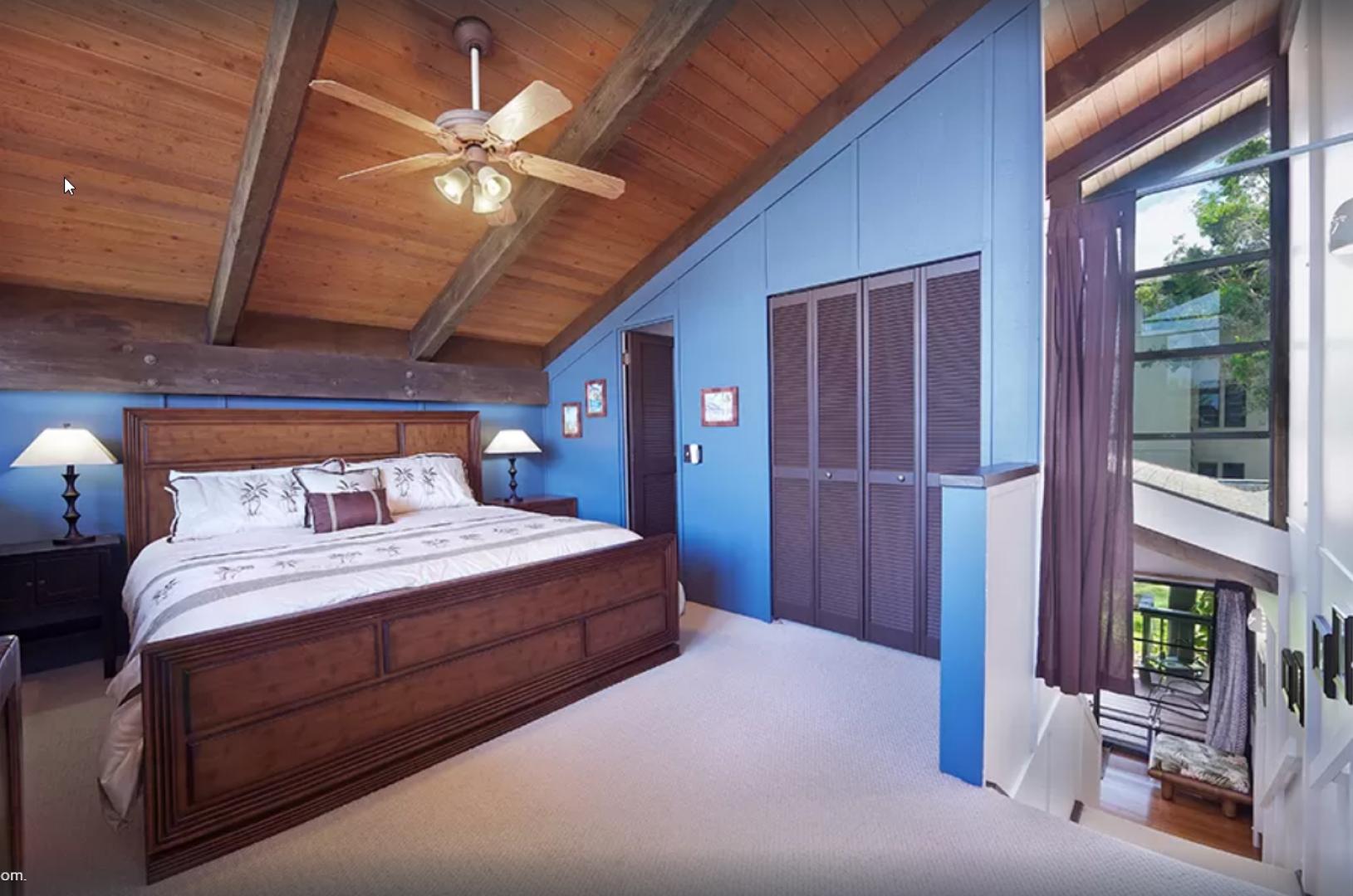 The loft bedroom also has an en suite bath