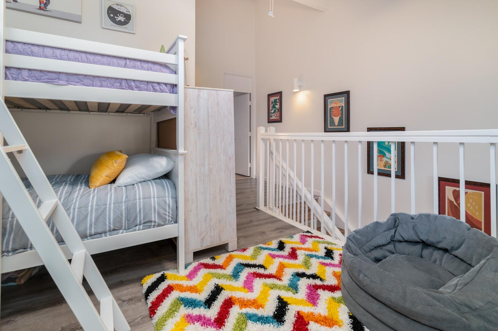 Additional sleeping option in the loft