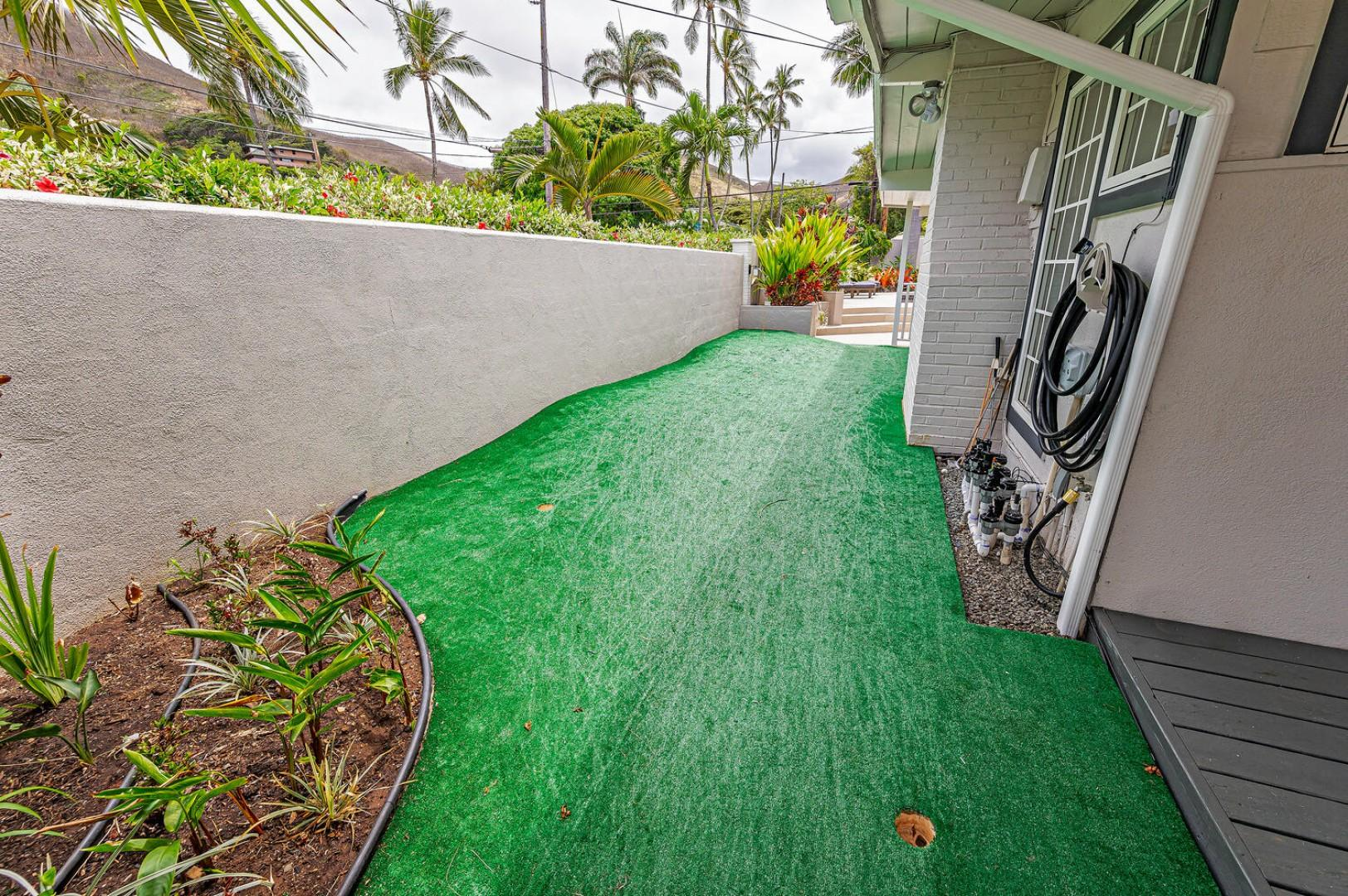 Putting green! This property has something for everyone!