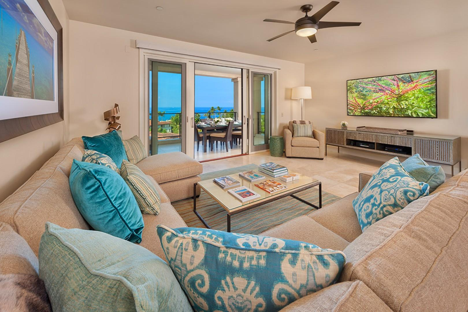 J405 Sea Breeze Suite Expansive Great Room - All New in Late 2013 with Exceptional Furnishings and Entertainment Components