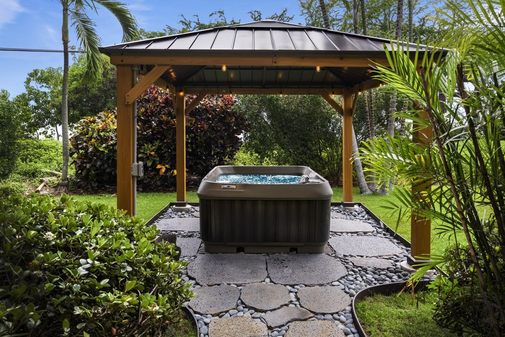 Tranquil Hot Tub for your enjoyment!