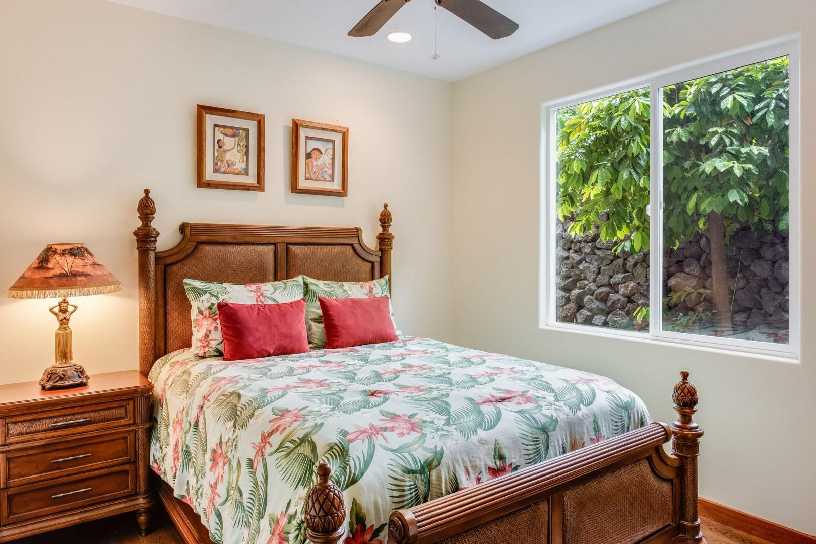 Hale Moku guest bedroom with Queen bed