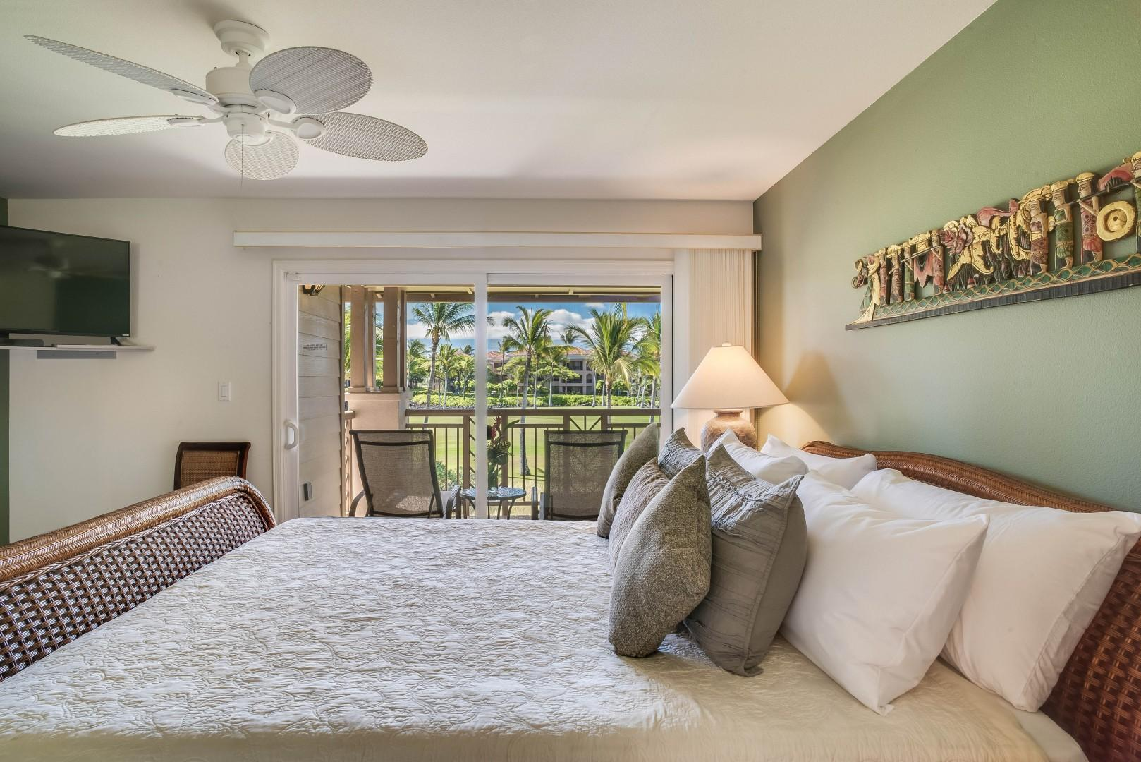Master Bedroom w/ King Size Bed, Private Lanai w/ Loungers, Flatscreen TV and Ensuite Bath