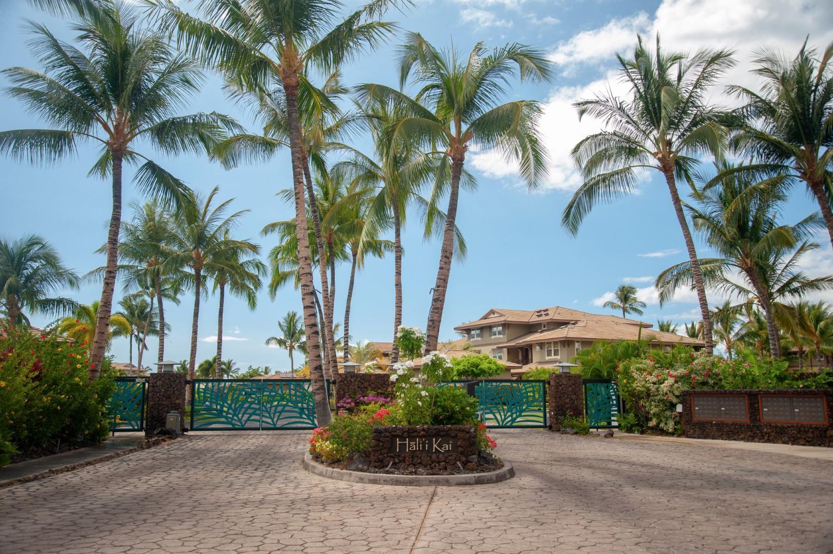 Hali'i Kai Resort's private & gated entrance