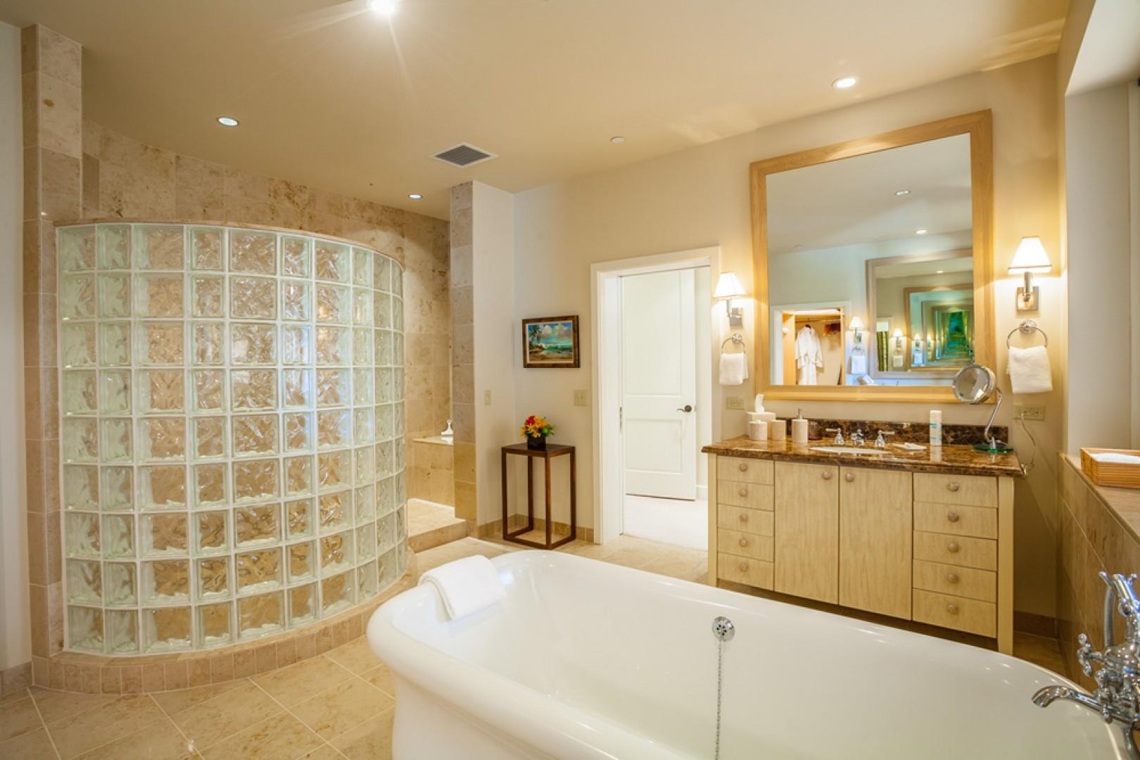 Blue Horizons K308 - Master Bedroom Bath with Twin Vanities, Private WC, Deep Tub, Glass Block Shower, Scale, Hair Dryer, Robes