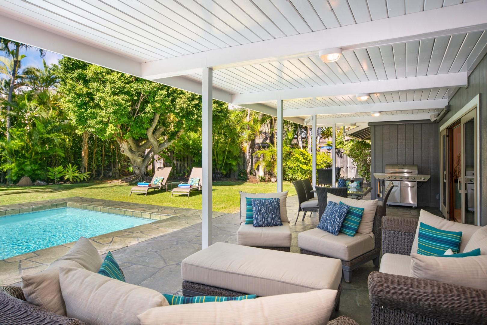 Enjoy the private pool while barbecuing!